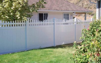 Why Choose Vinyl Over Wood for Your Fence?
